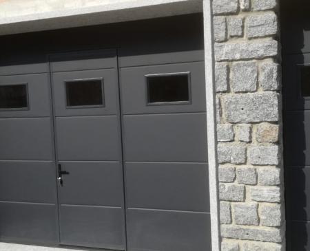 Nuova porta sezionale con porta pedonale integrata e porta laterale a Colorina (SO): Immagine Elenchi